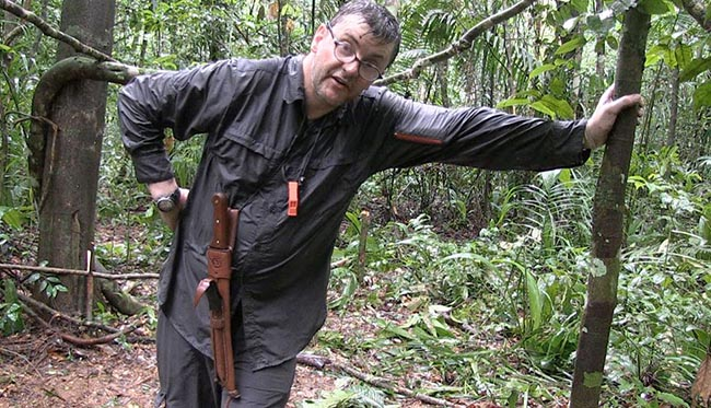 Joe Pasquale Alone in the Wild Discovery Channel