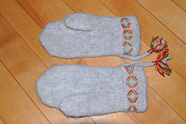 Swedish Lovikka Mittens made of Lovikka wool and with decorated cuffs.
