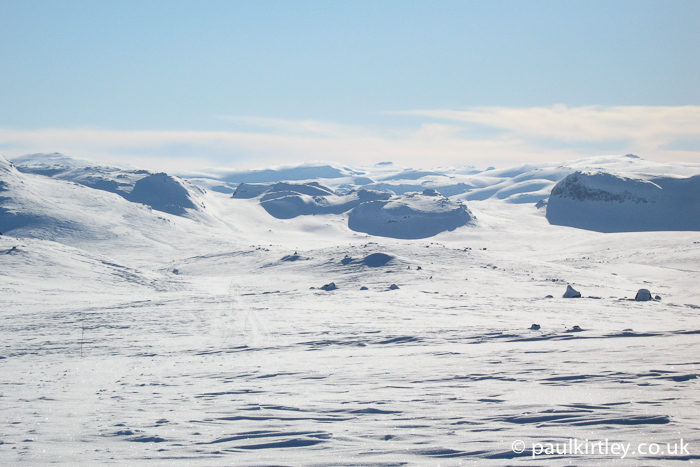 Hardangervidda with clear skies and sun